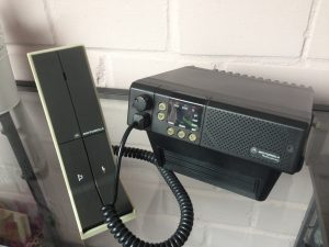 Motorola GM300 met base stand